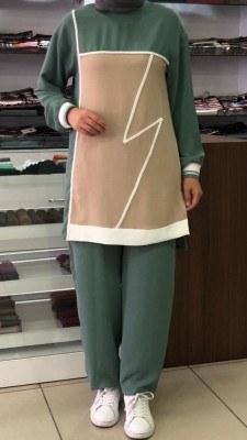 - Önü Parçalı Şerit Detaylı Pantolonlu Takım Yeşil /4732